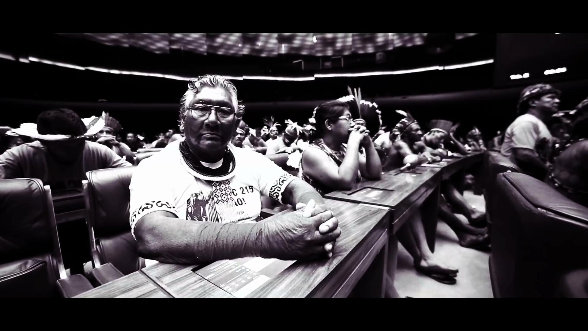 Reis do Agronegócio - Chico César na Mob Nacional Indígena de 2015(1)